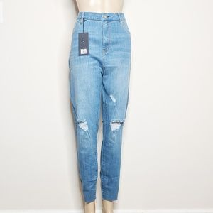 NWT Kendall and Kyle Ankle Jeans 31
